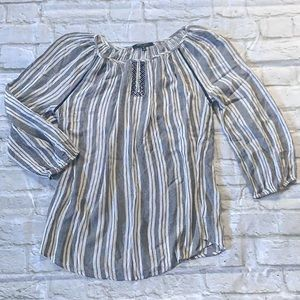 Romeo & Juliet Couture Striped Peasant Blouse